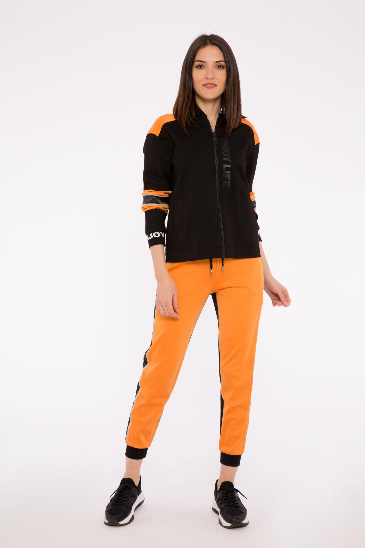 Şerit Detaylı Kapüşonlu Fermuarlı Siyah Sweatshirt