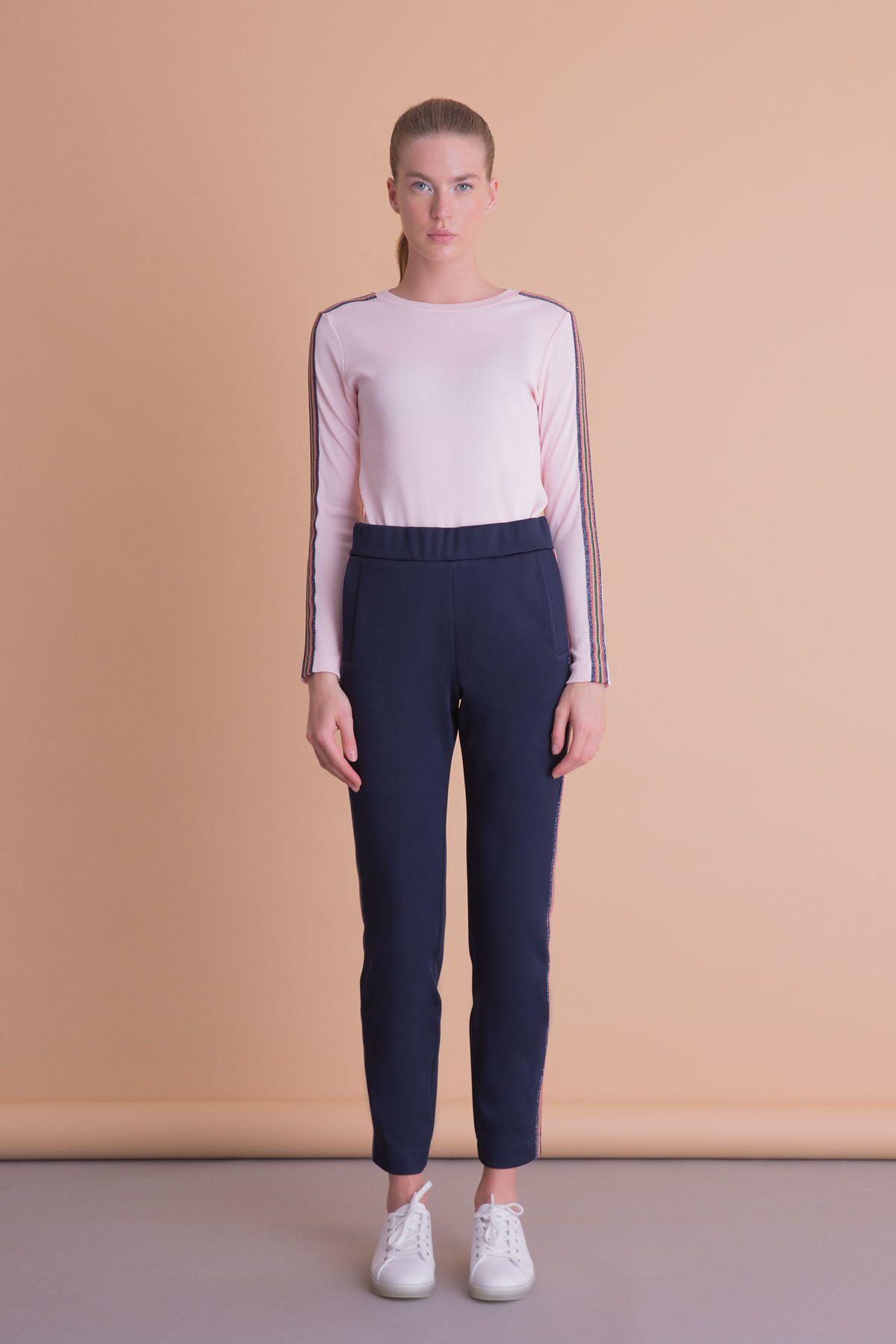 Şerit Detaylı Pudra Renk Uzun Kollu Bluz