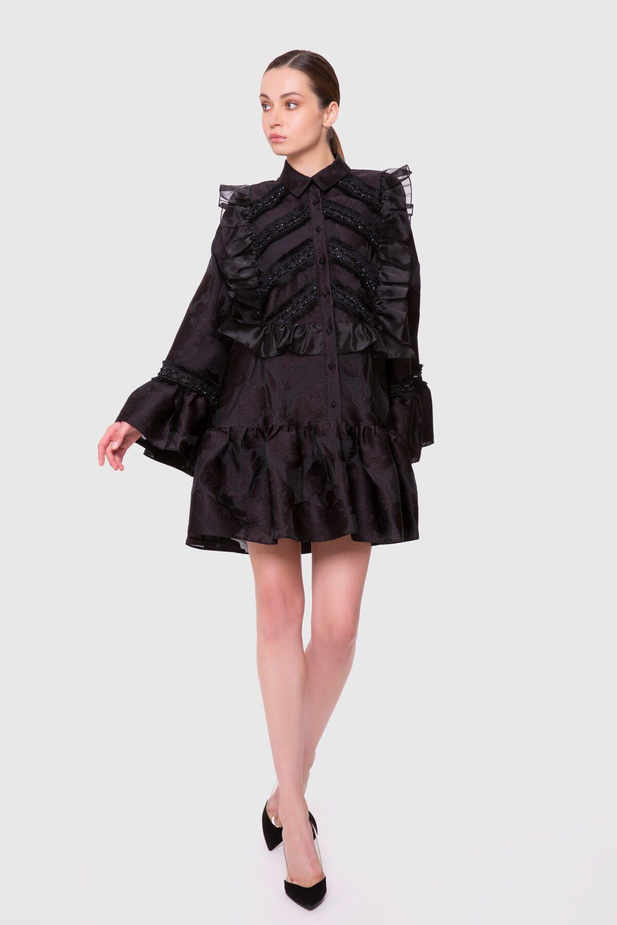 Şerit Ve İşleme Detaylı Volanlı Mini Elbise