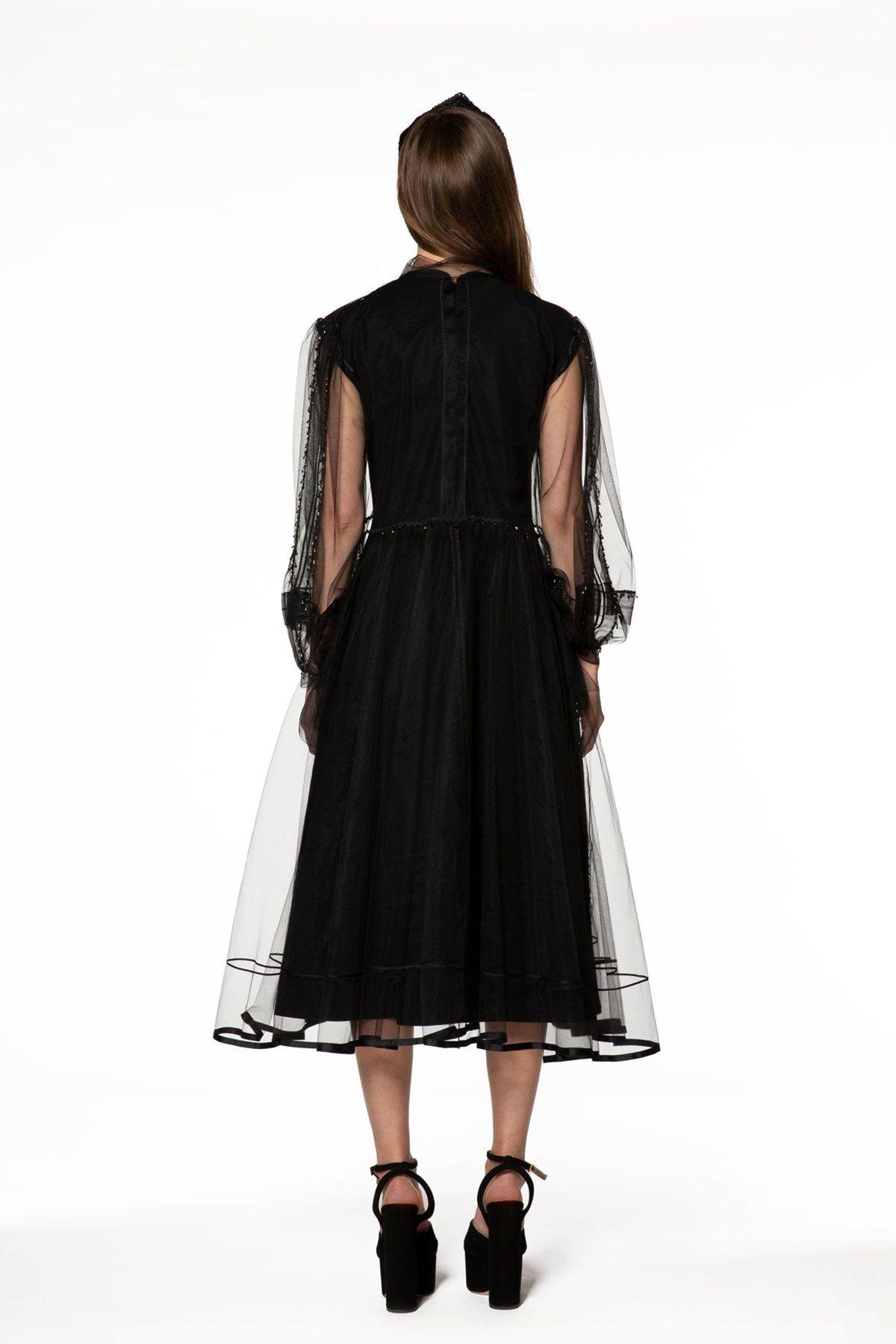 Şifon Detaylı Siyah Midi Elbise
