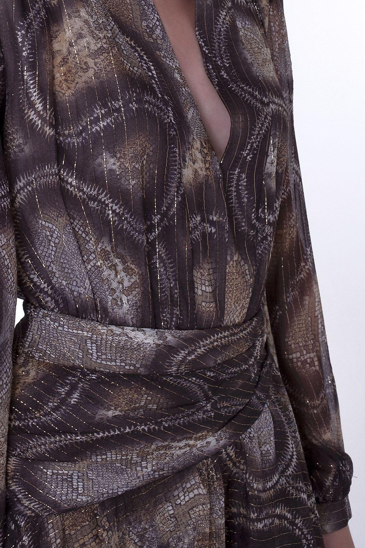 Simli Yılan Desenli Şifon Derin V Yaka Midi Boy Elbise