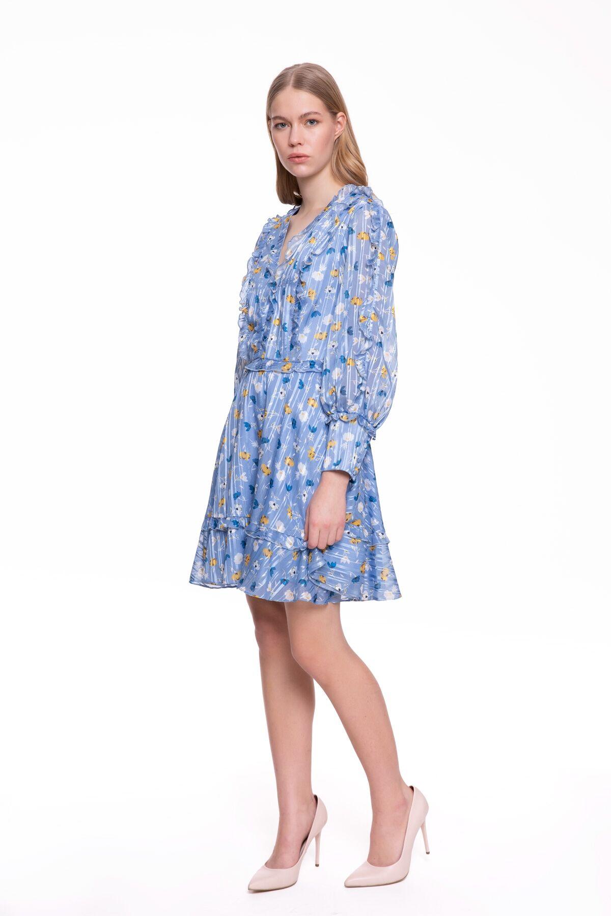 Sırtı Açık, Uzun Kollu Çiçek Baskılı Mavi Mini Elbise