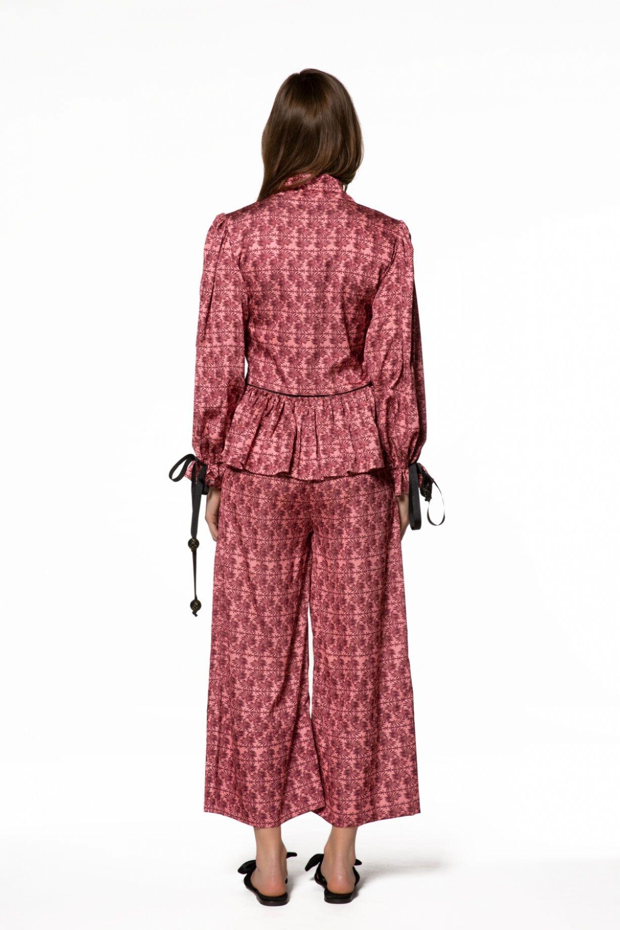Fiyonk Detaylı Desenli Bluz