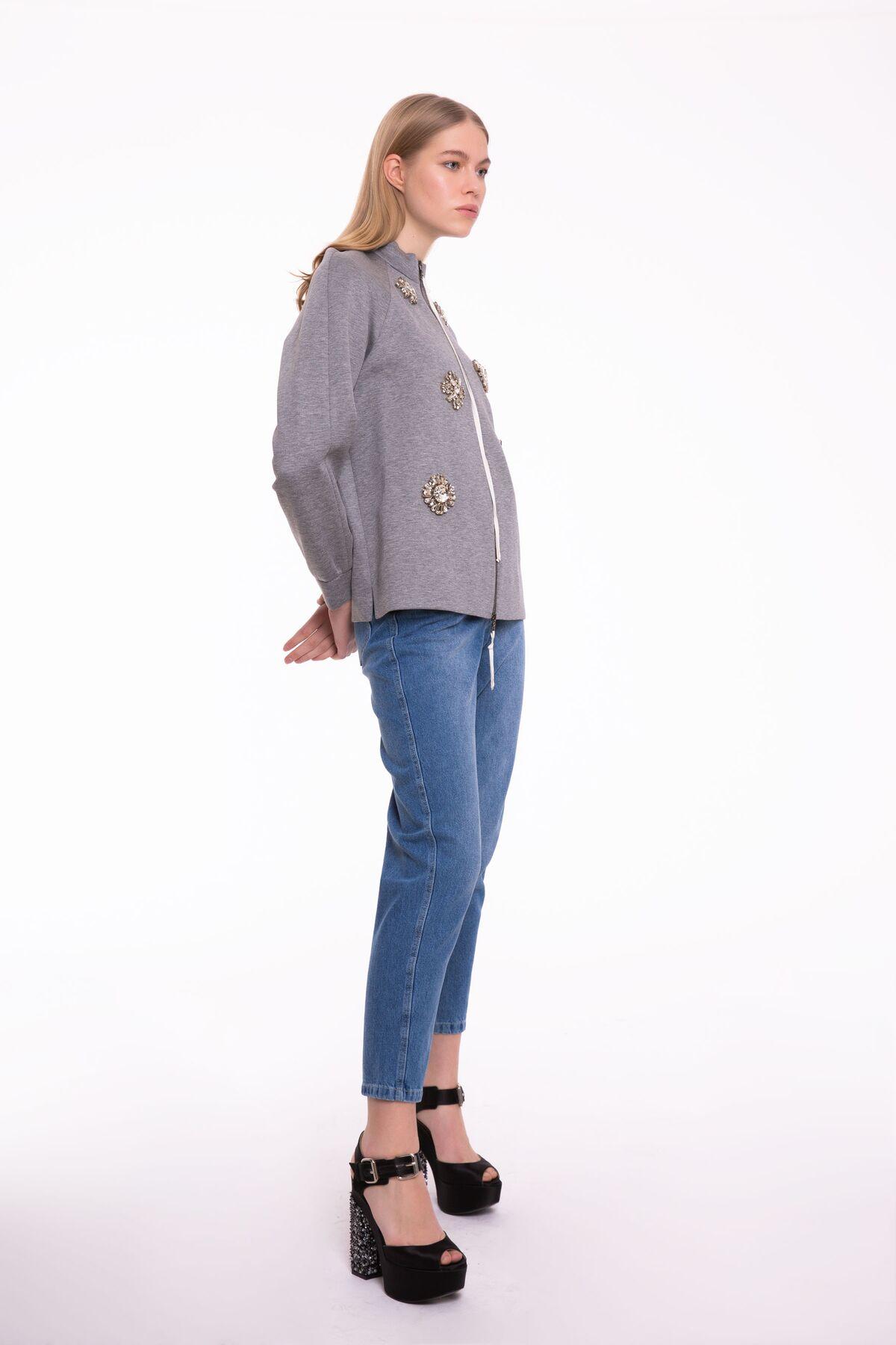 Taş İşlemeli Fermuarlı Gri Ceket