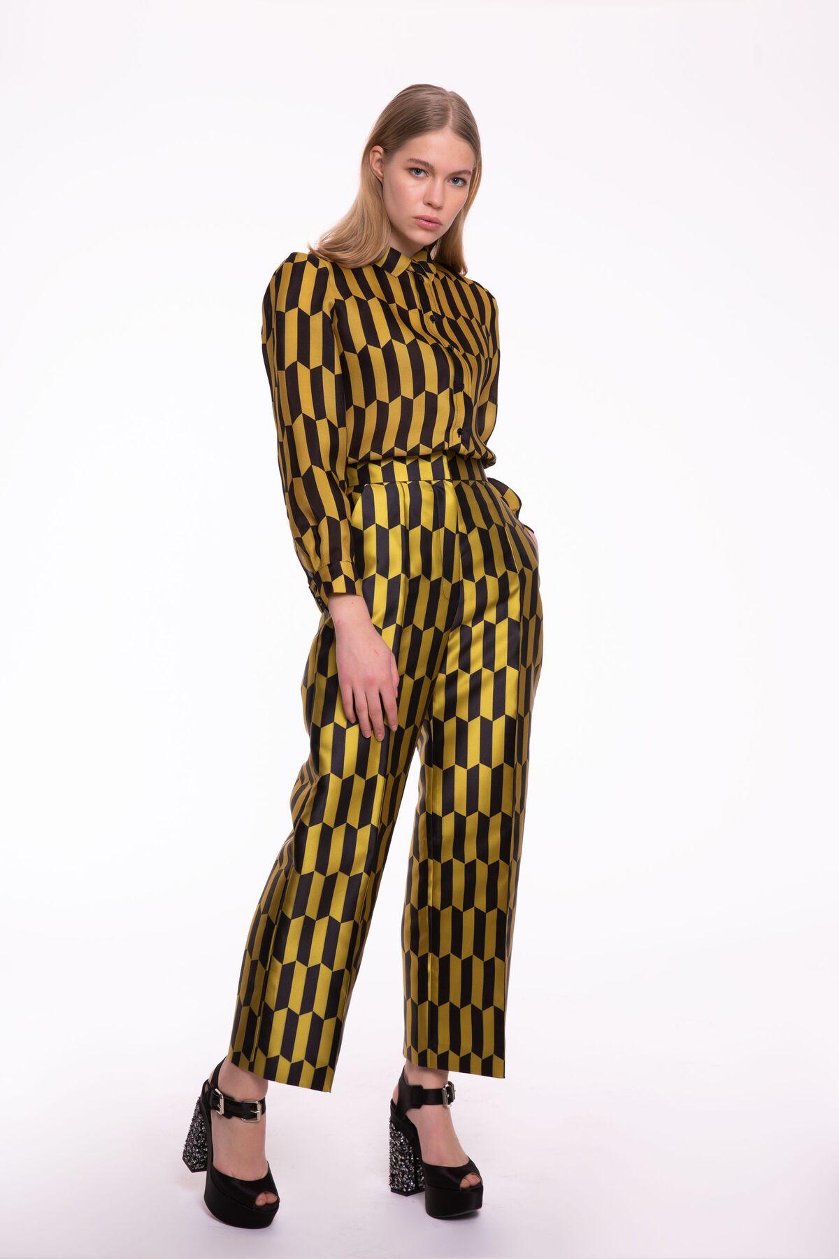Hardal-Siyah Desenli Uzun Kol Gömlek