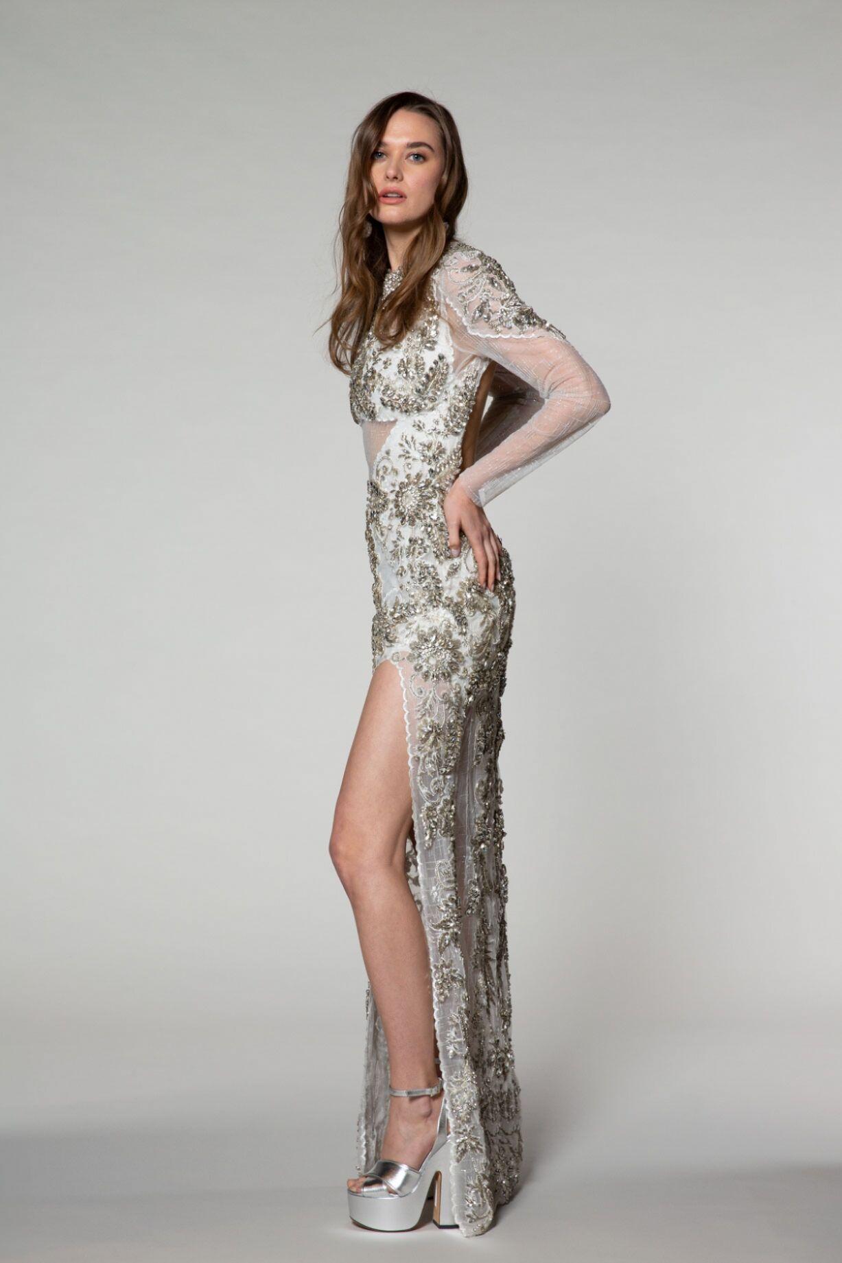 İşlemeli, Sırtı Açık Uzun Elbise