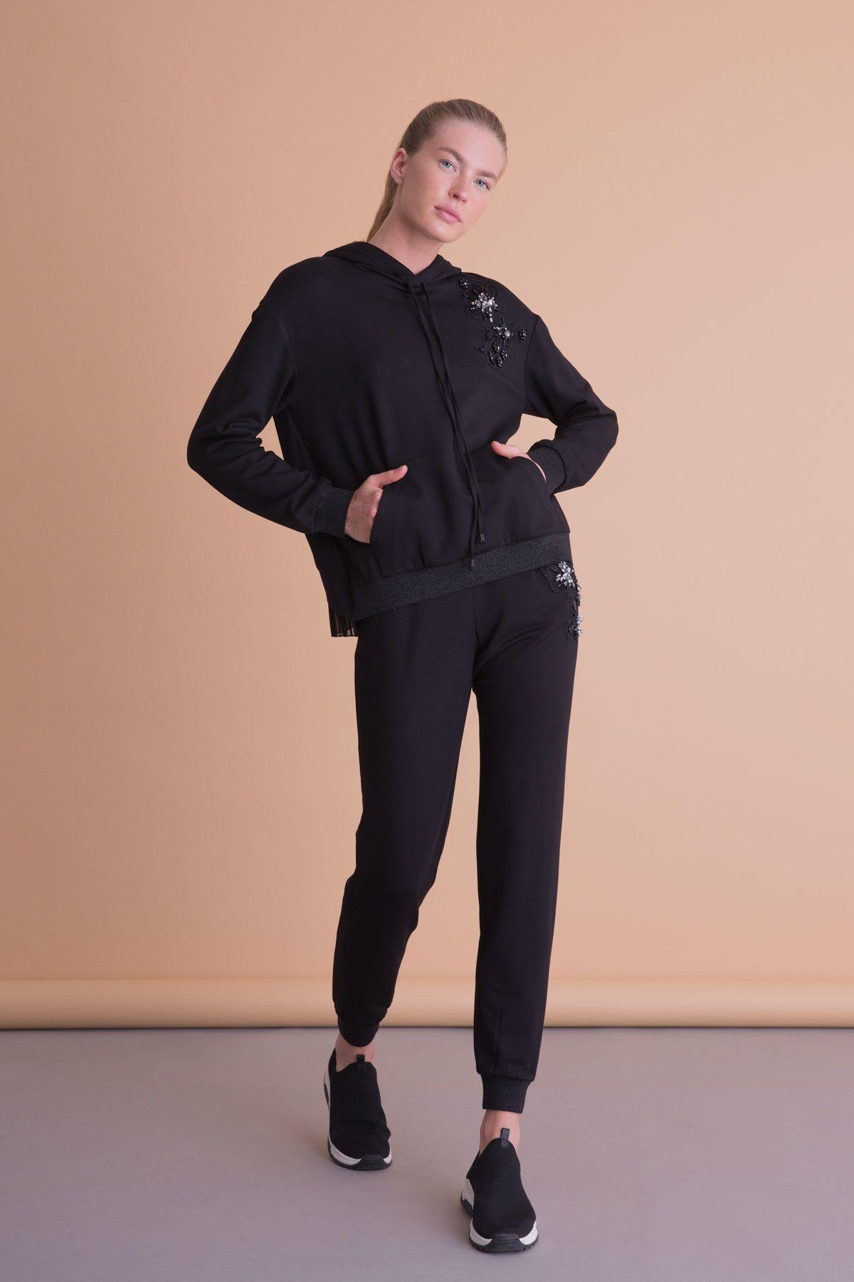 Taş İşlemeli Siyah Kapüşonlu Sweatshirt