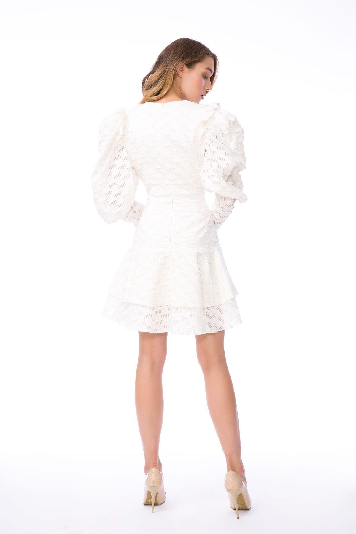 Taş İşleme Detaylı Volan Kollu Ekru Mini Elbise
