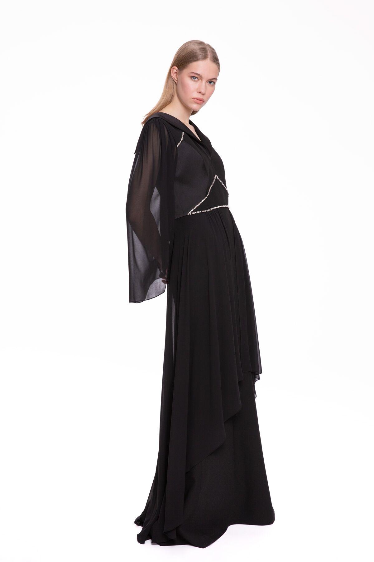 Taş İşlemeli, Kolları Şifon Siyah Uzun Elbise