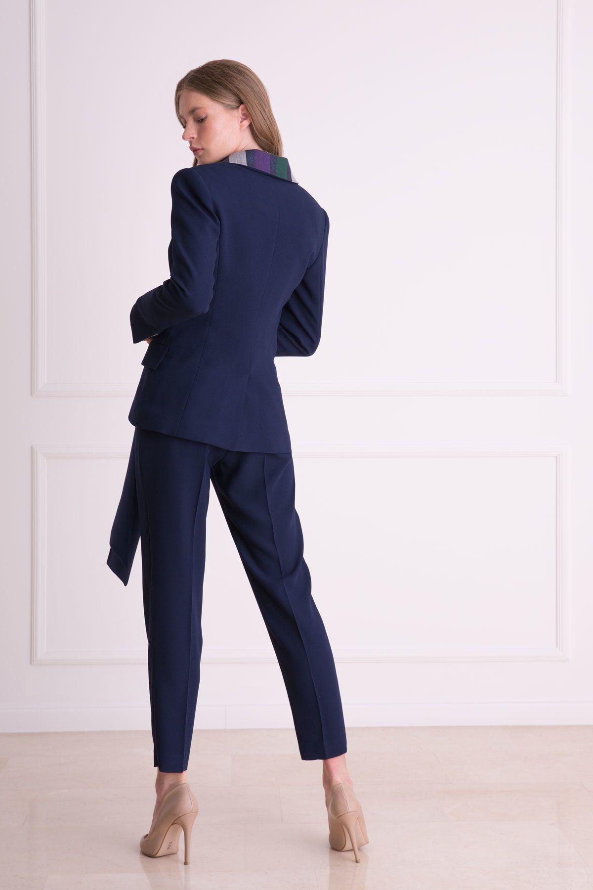 Tek Düğmeli Yaka Detaylı Lacivert Kumaş Ceket
