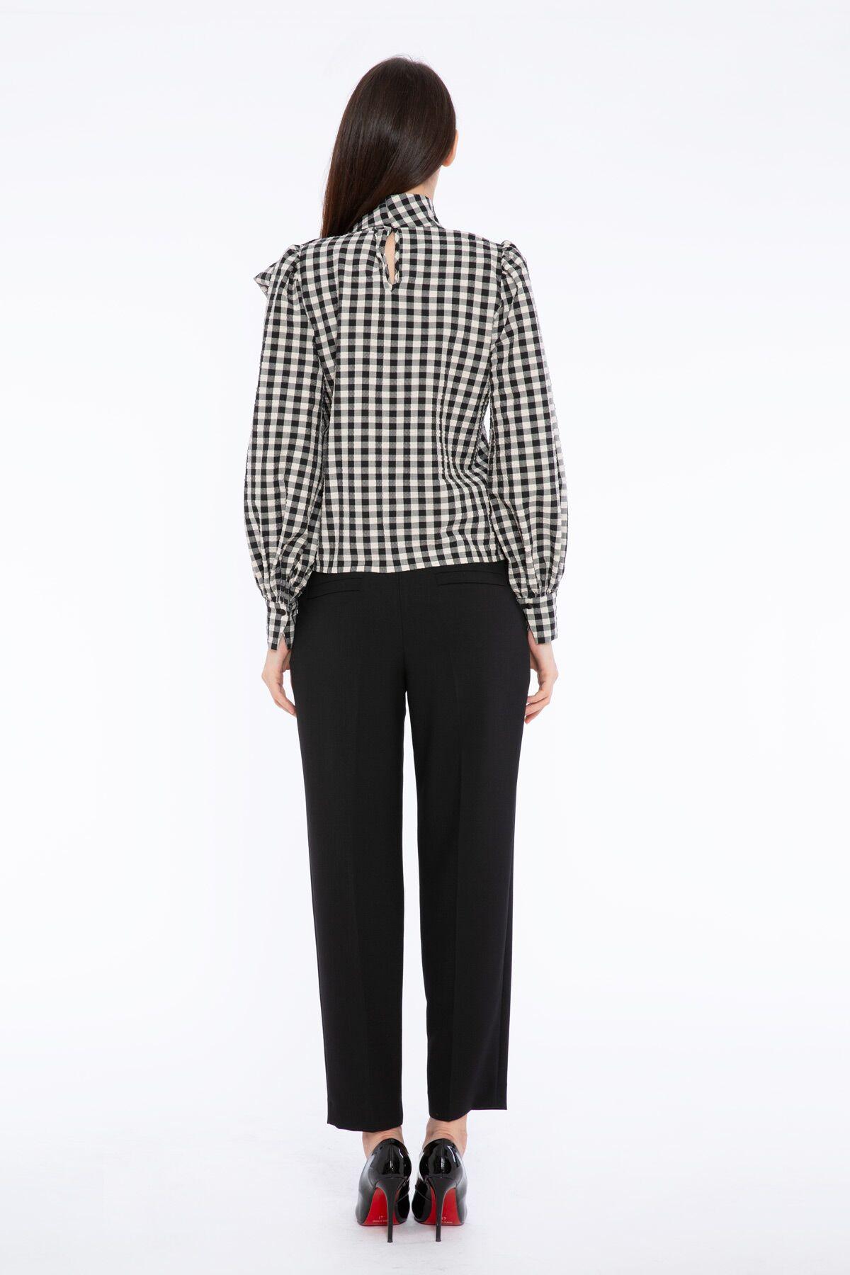 Tie Collar Plaid Pattern Long Sleeve Blouse