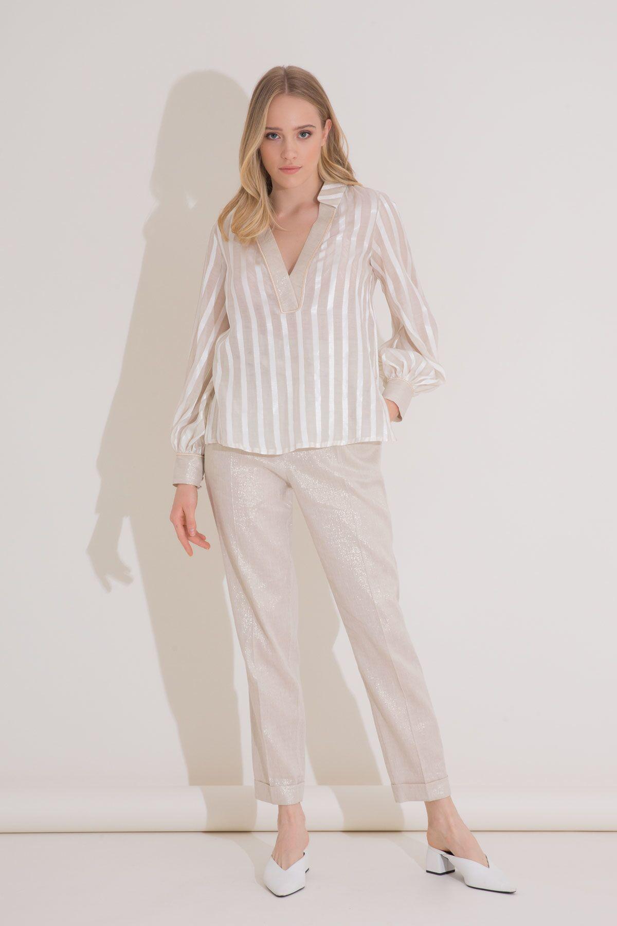 Transparan Çizgili Bej V Yaka İpekli Bluz