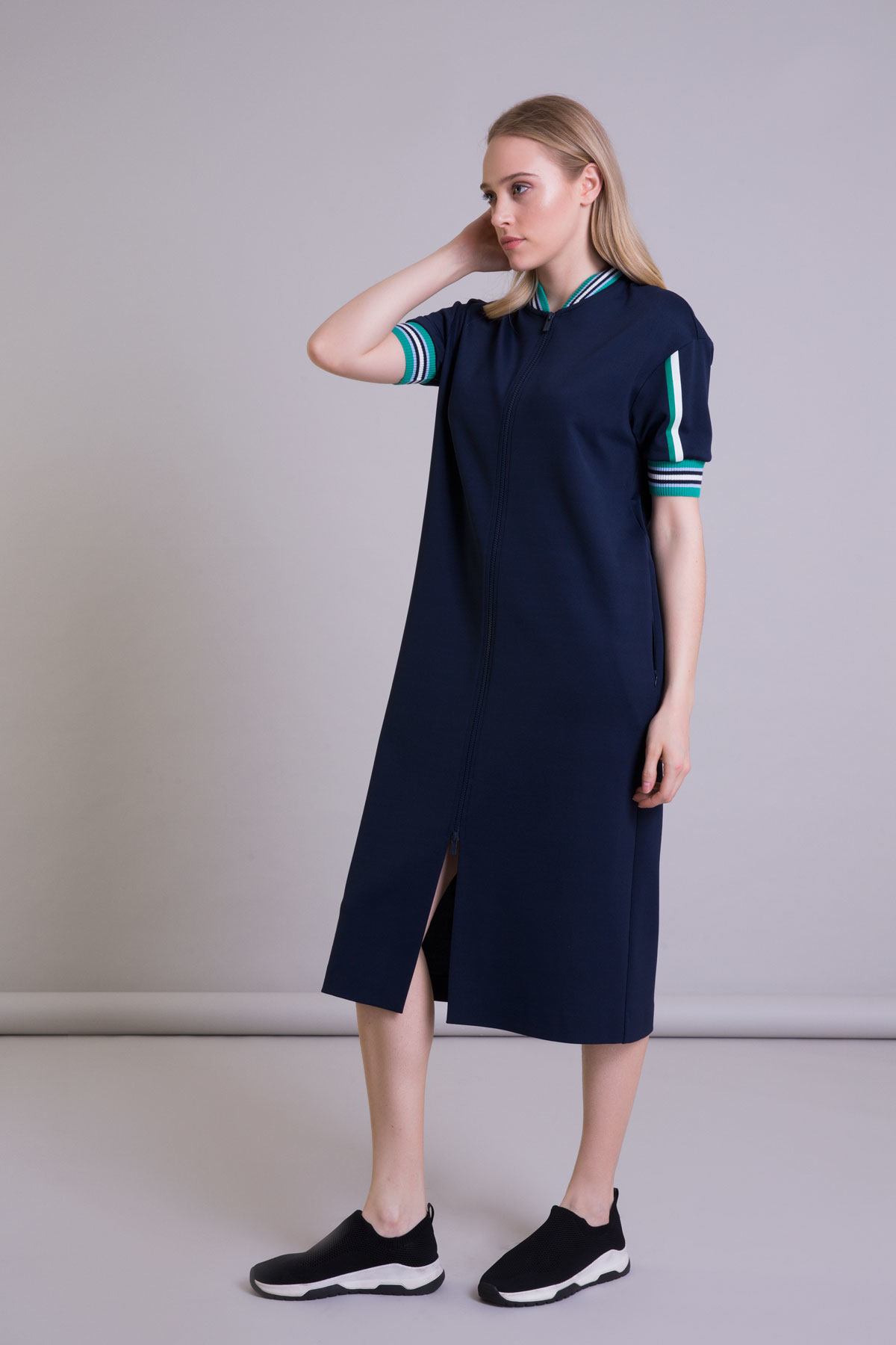 Triko Detaylı Fermuarlı Lacivert Midi Elbise