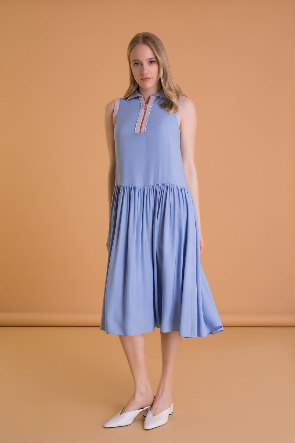 Triko Yaka Detaylı Kolsuz Mavi Midi Elbise