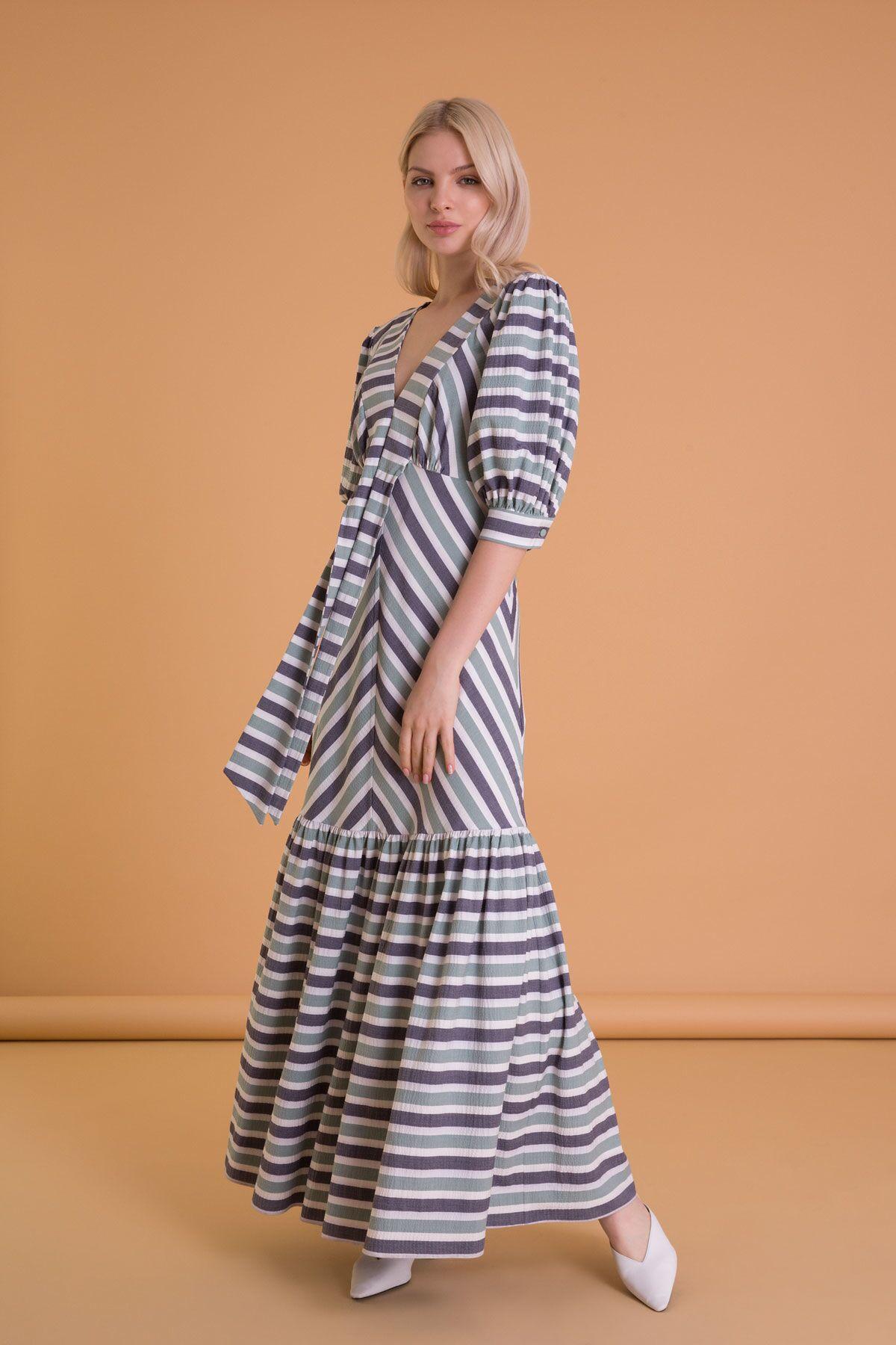 V Yaka Çizgi Desenli Uzun Elbise