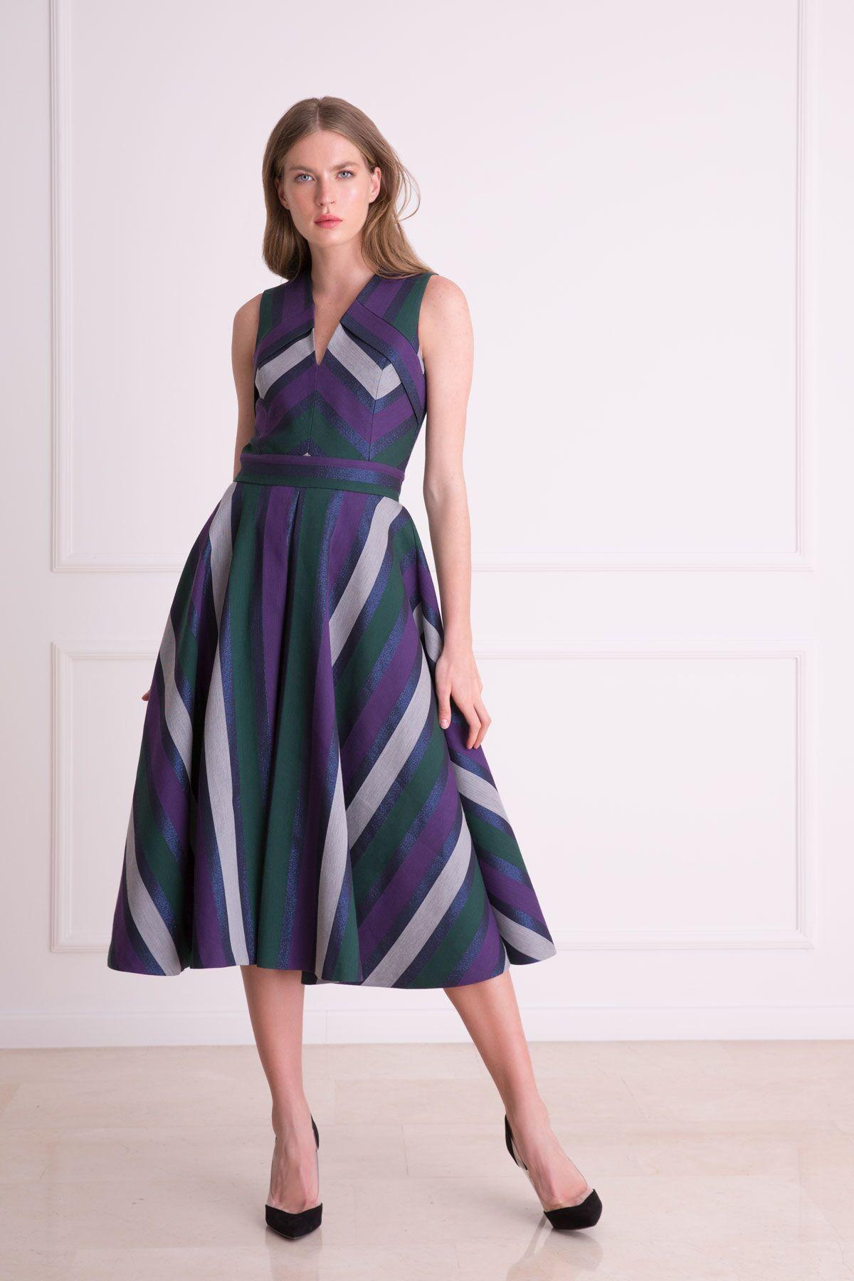 V Yaka Grafik Desenli Metalik Midi Elbise