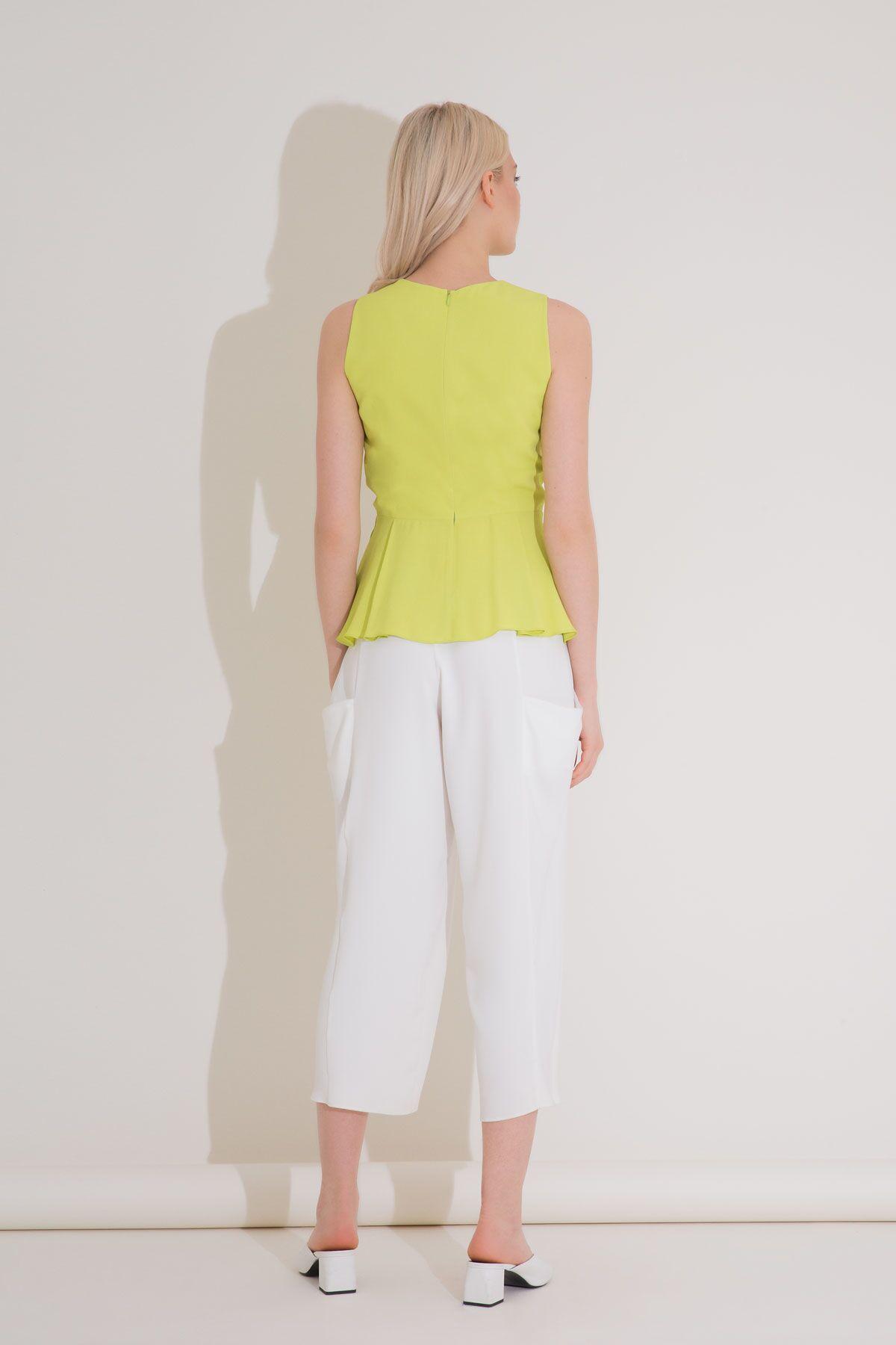 V Yaka Pili Detaylı Yeşil Viskon Bluz