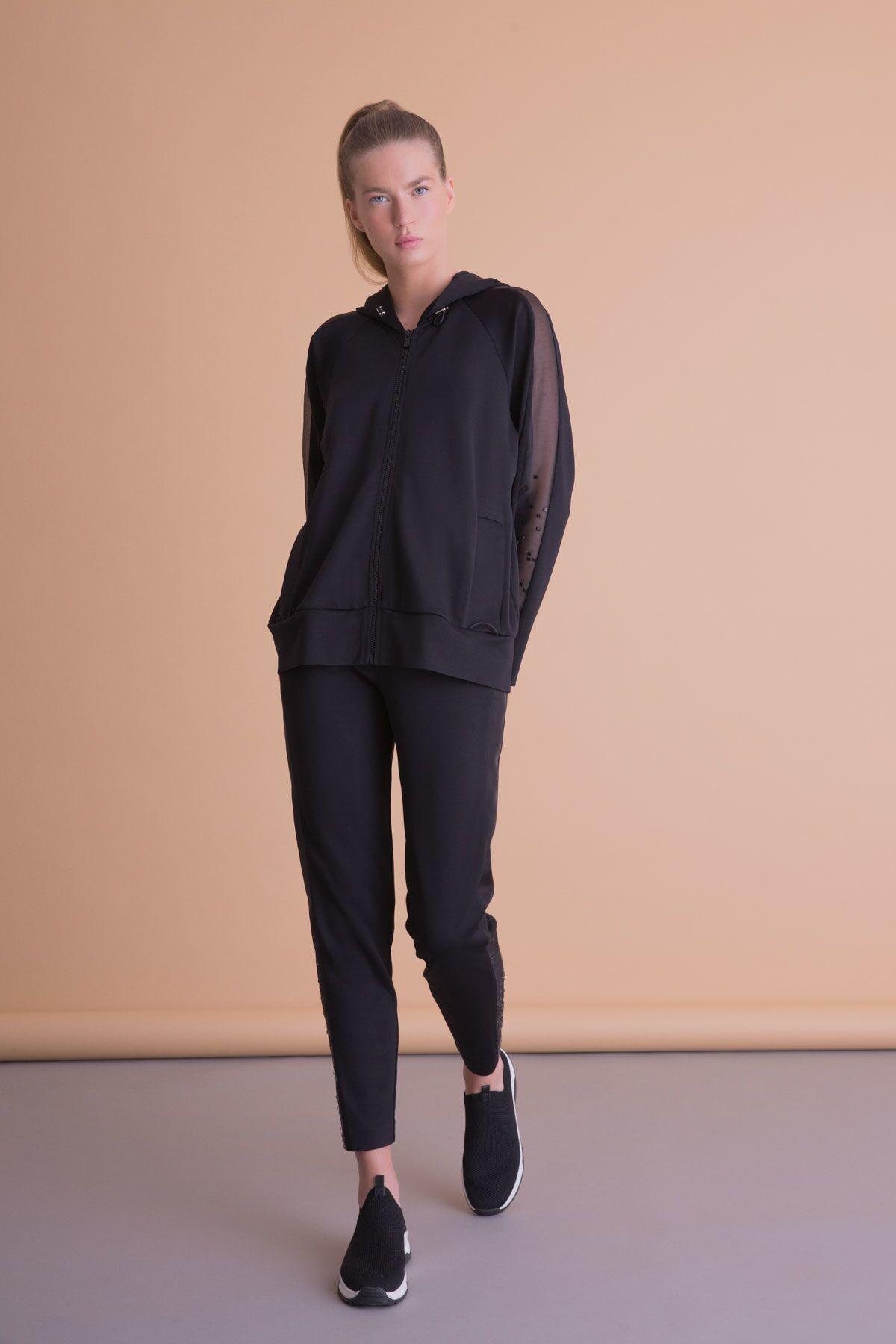 Veiled Sleeve Sweatshirt With Hood