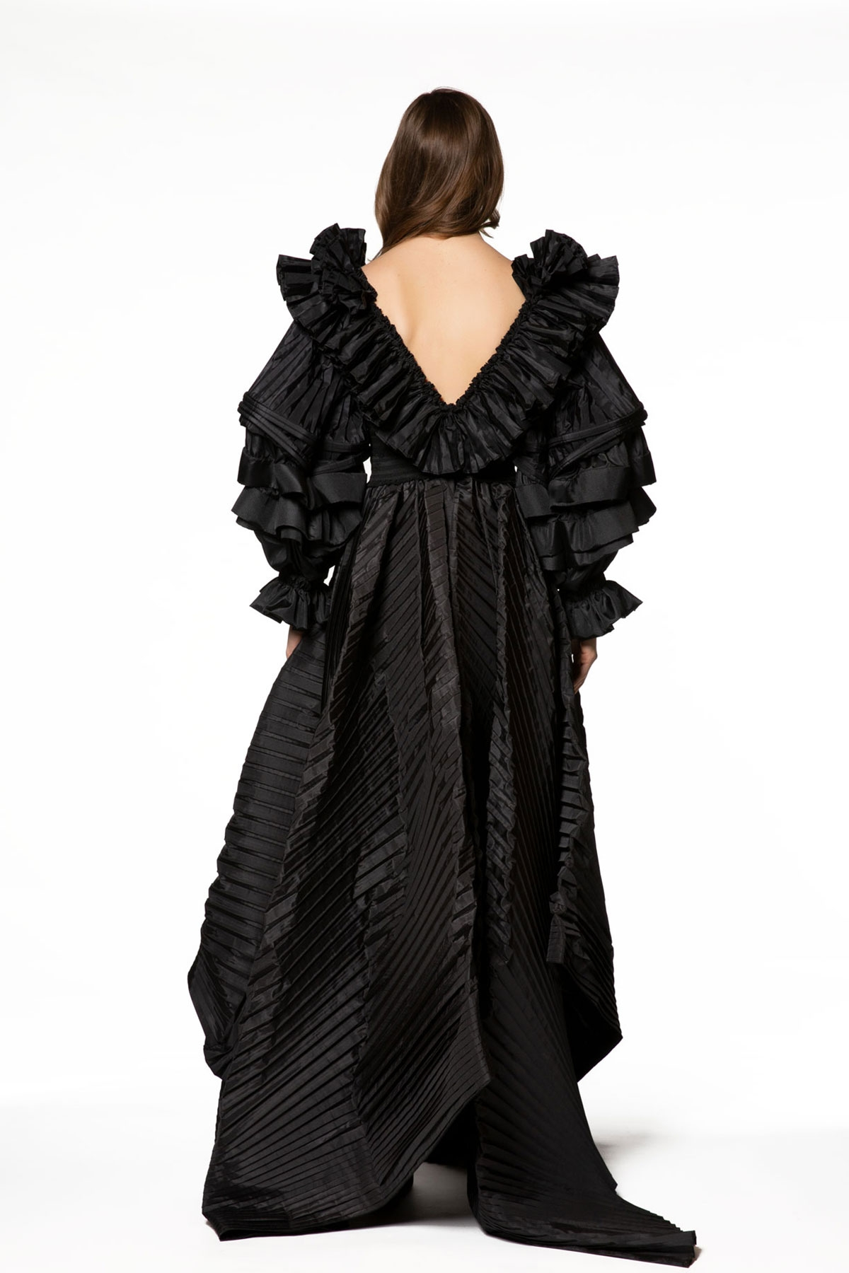 Volan Detaylı Uzun Siyah Elbise