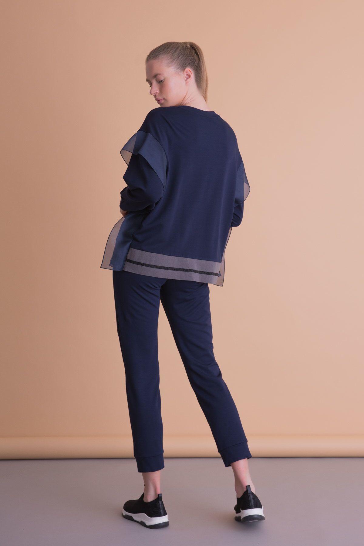 Yaka İşlemeli Tül Detaylı Lacivert Bluz