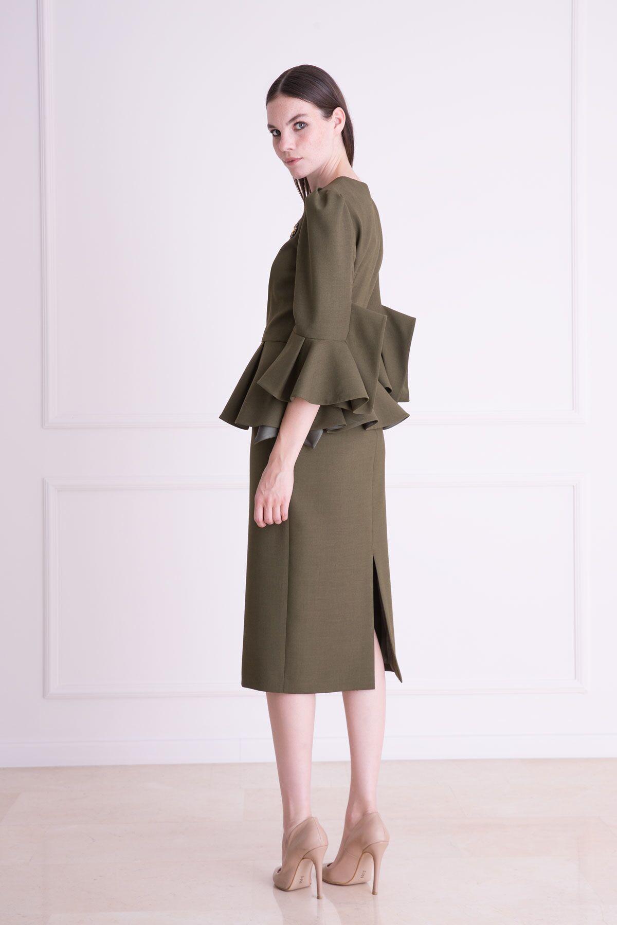 Yaka İşlemeli Volanlı Haki Yeşil Bluz