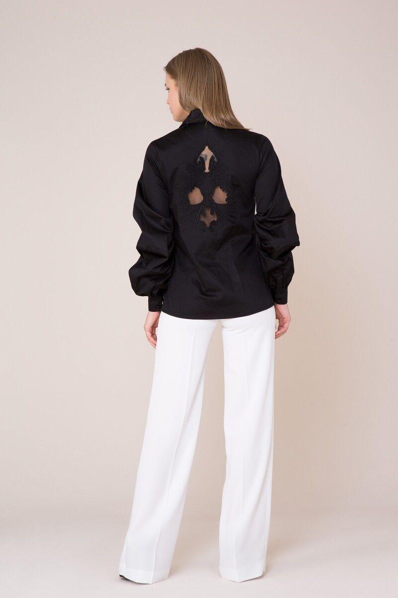 Yaka ve Sırt Güpür Detaylı Siyah Gömlek
