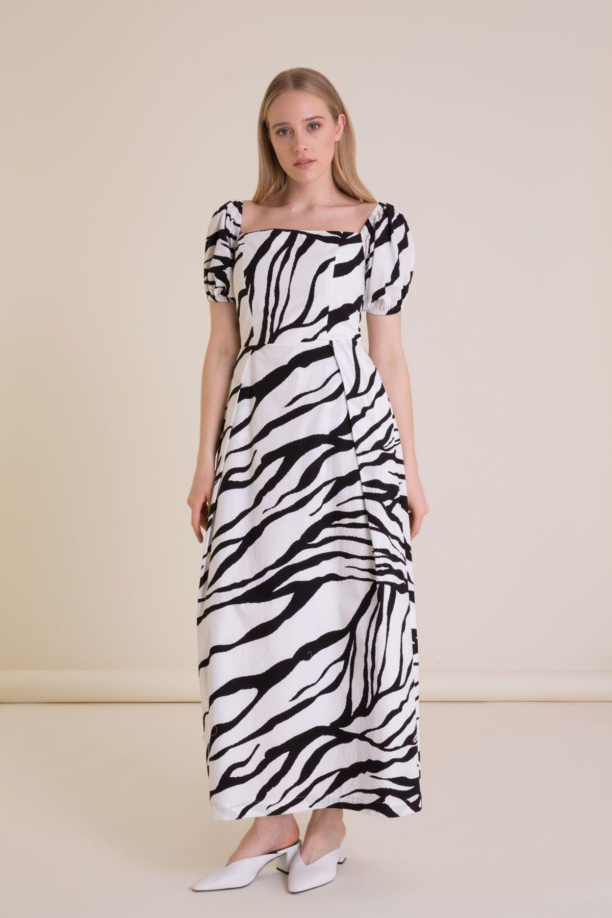 Zebra Desenli Açık Omuz Siyah Beyaz Uzun Elbise