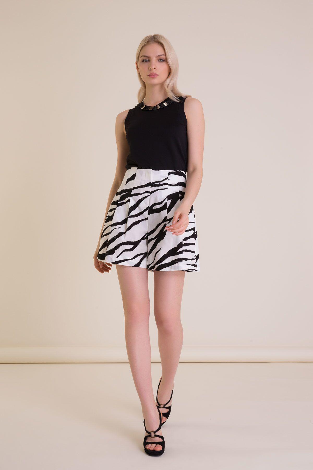 Zebra Desenli Siyah Beyaz Pileli Mini Şort