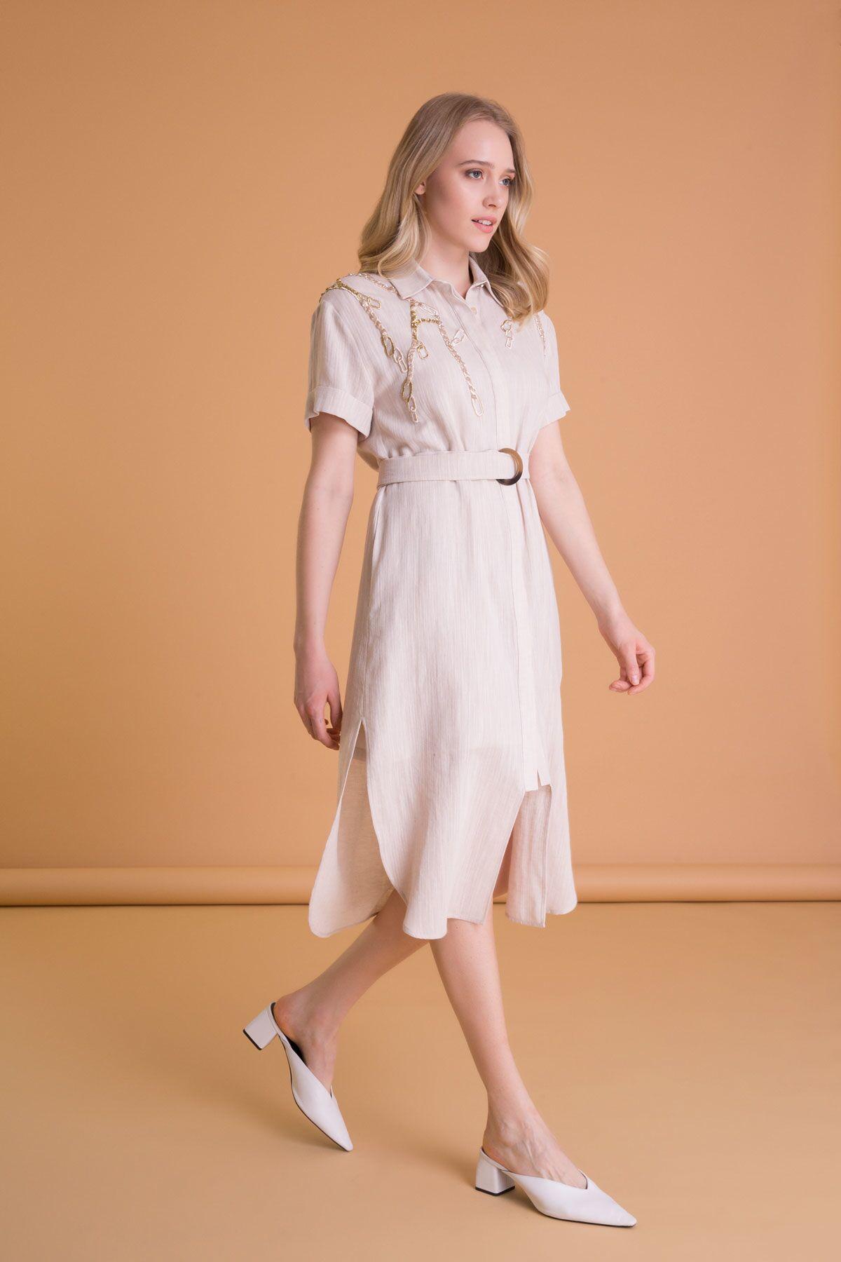 Zincir Nakış Detaylı Kemerli Bej Tunik Elbise
